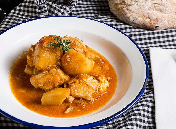 Guiso Bonito Marmitako Pescado Salsa Tomate Galicia Patatas Pescados Y Mariscos
