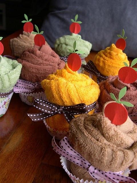 Tea Towel or Hand towel Cupcakes- a great bridal or Housewarming Gift Idea