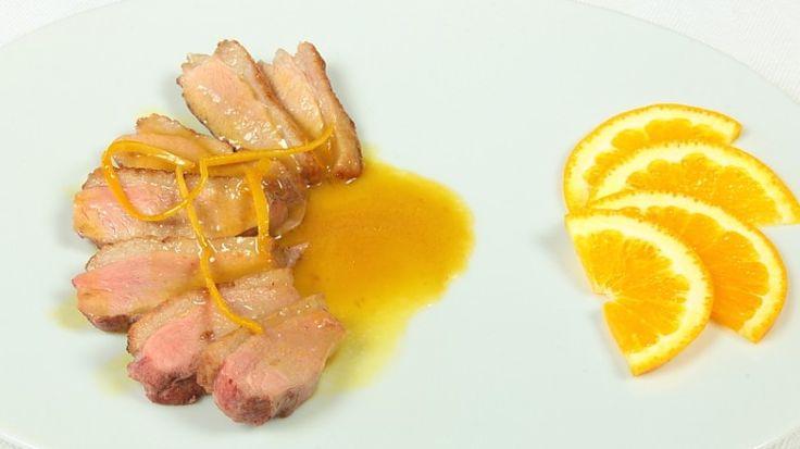 Ricetta Petto d'anatra all'arancia: Petto d'anatra all'arancia: una preparazione semplice e veloce per un piatto che è un classico da presentare in un giorno da occasione speciale!
