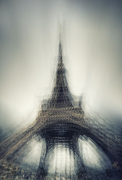 'Abusus Non Tollit Usum', long exposure photo of Eiffel Tower by Fabrice Silly