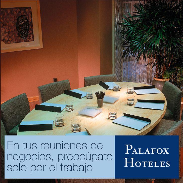 El Salón Conde Aranda de Hotel Palafox es perfecto para una reunión de negocios. Contacta con nosotros si necesitas una sala para tener una cita con tus clientes. http://bit.ly/1RPjsLl