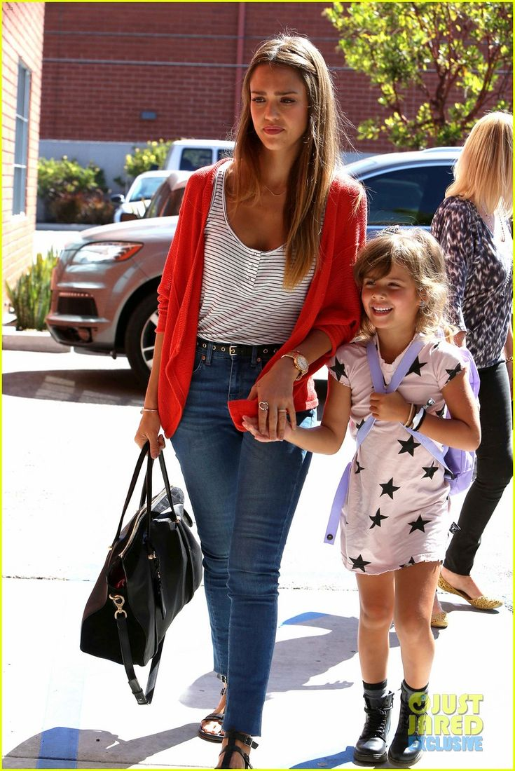 jessica alba gets honest for editorialist feature 15 Jessica Alba wears a pink sweater while heading to her Honest Company office with her daughter Honor and some other family members on Wednesday (August 28) in Santa…