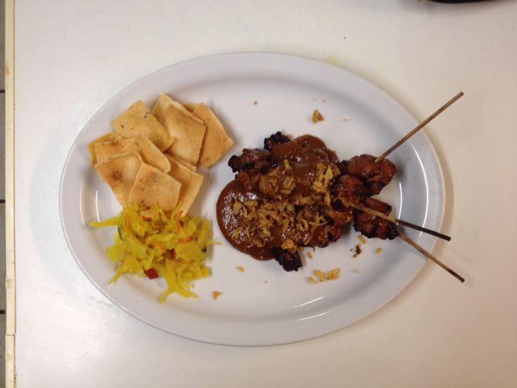 SATE VAN KIPPENDIJ Recept Marinade:  Recept Satesaus: