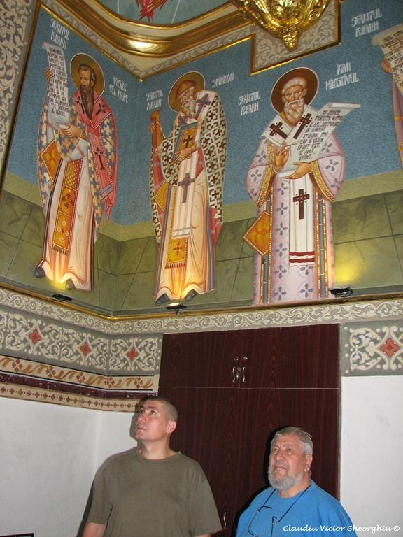 Profil de iconar: Vasile si Ciprian Buzuloi http://jurnalulbucurestiului.ro/profil-de-iconar-vasile-si-ciprian-buzuloi/