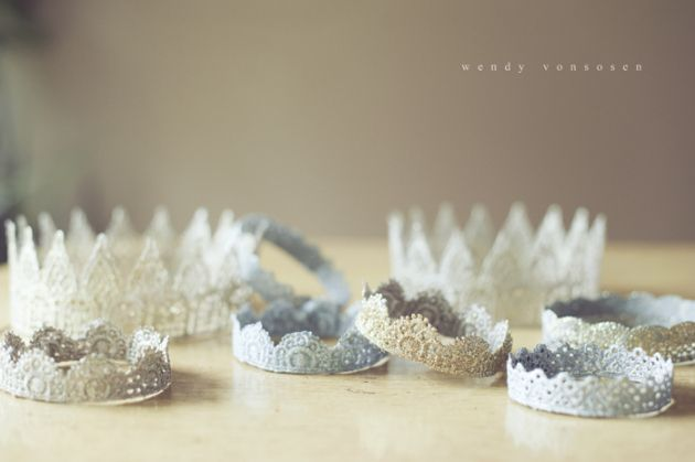 Make Lace Glitter Crowns!! (Perfect for Photo Props or Birthday Parties!) -- Tatertots and Jello #DIY
