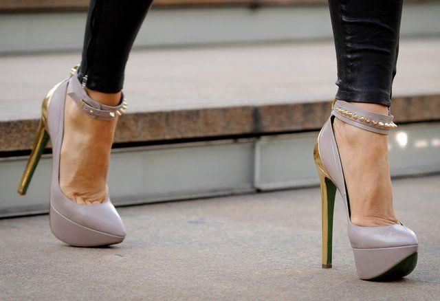 Studs, Killers Heels, Hot Shoes, Fashion, Spikes, Highheels, Pump, High Heels, Mary Jane
