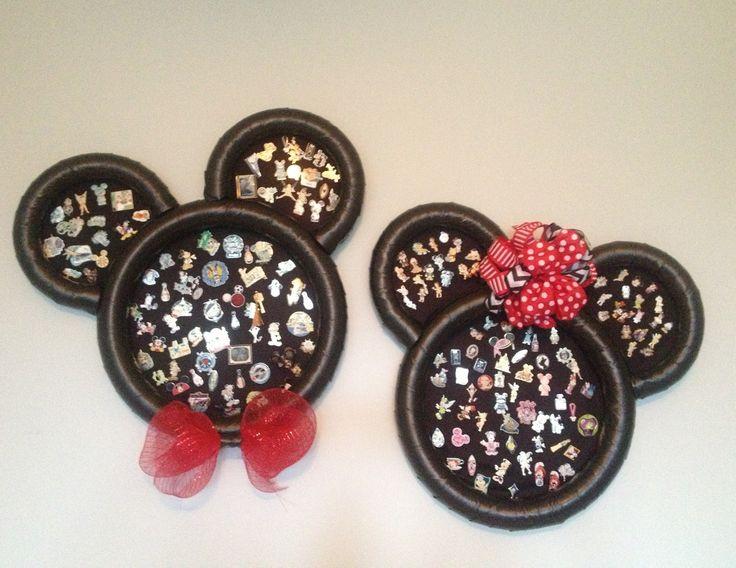 Fun trading pin display! Perfect for Disneyland and Disneyworld fans!!!