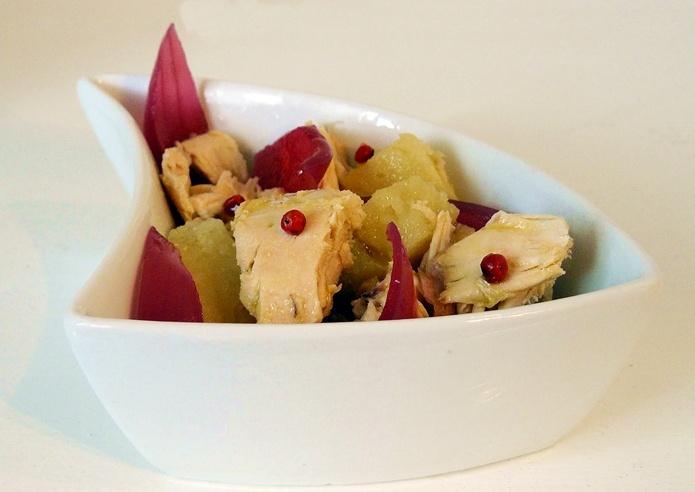 Insalata di pollo, patate al cartoccio, cipolle di Tropea in agrodolce e pepe rosa: piatto unico per un pic-nic diverso!!!
