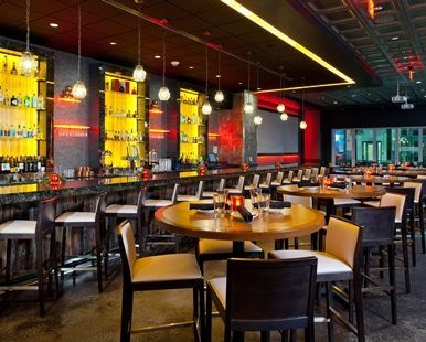 Hilton Garden Inn Pittsburgh-Downtown Hotel, PA - Revel   Roost Restaurant Tables | PA 15222