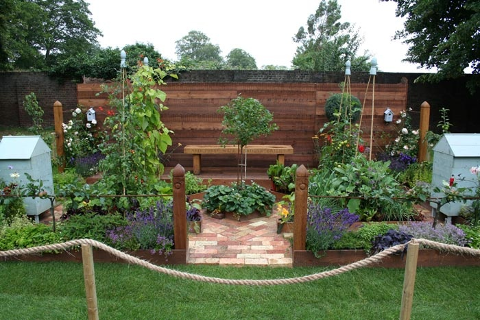 small potager garden renovate mural garden ideas pinterest. Black Bedroom Furniture Sets. Home Design Ideas