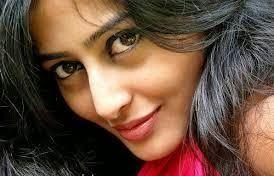 Filmy Celebrity: Nidhi Subbaiah