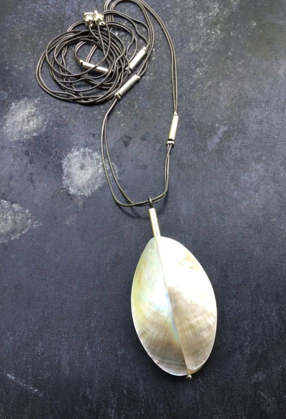 30% OFF for the first 20: The EGG pendant. Chain by UkiyoStones