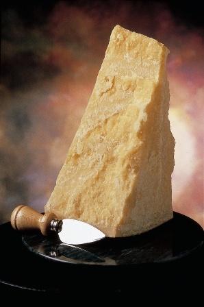 Parmigiano reggiano sulla tavola di tutto il mondo