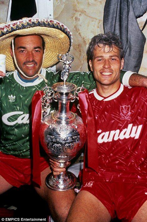 Bruce Grobbelaar and Glenn Hysen in 1990