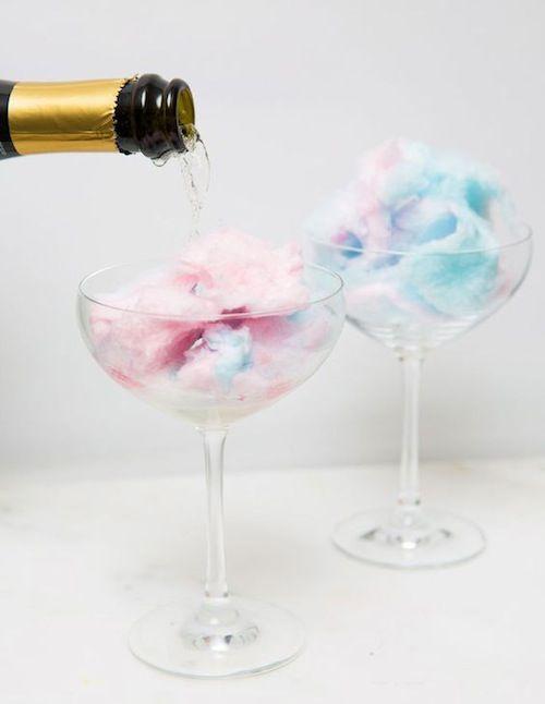 Champagne à la barbe à papa - 10 recettes de cocktails qui font pop!