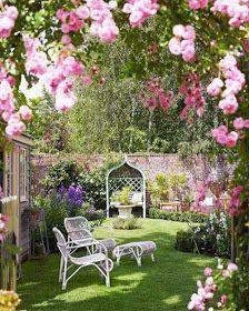Hydrangea Hill Cottage: A Summer Garden à Londres