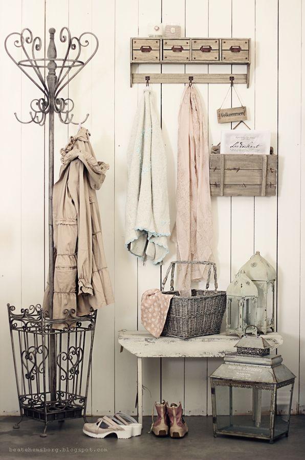die besten 25 garderobe shabby chic ideen auf pinterest grauer star bild schwarz wei machen. Black Bedroom Furniture Sets. Home Design Ideas