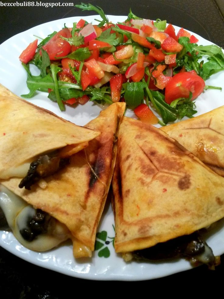 Cześć Wszystkim! :) Dziś zapraszam na opiekane placki tortilli w stylu…
