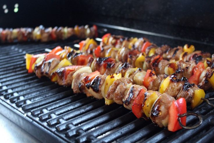 Kabob? Ka-bob? Kebab? Idk, and I'm tired of googling that spelling. All I know is that our Hawaiian Marinated Grilled Pork Kabobs are ahhhh-mazing.