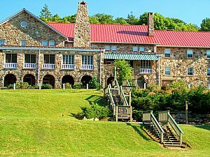 Mountain Lake: Hotel in Pembroke, VA. Dirty Dancing anyone? :) (I would love to go here!! )