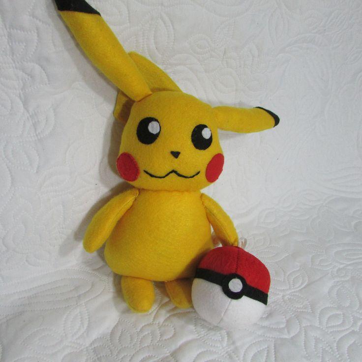 Pikachu e Pokebola em feltro