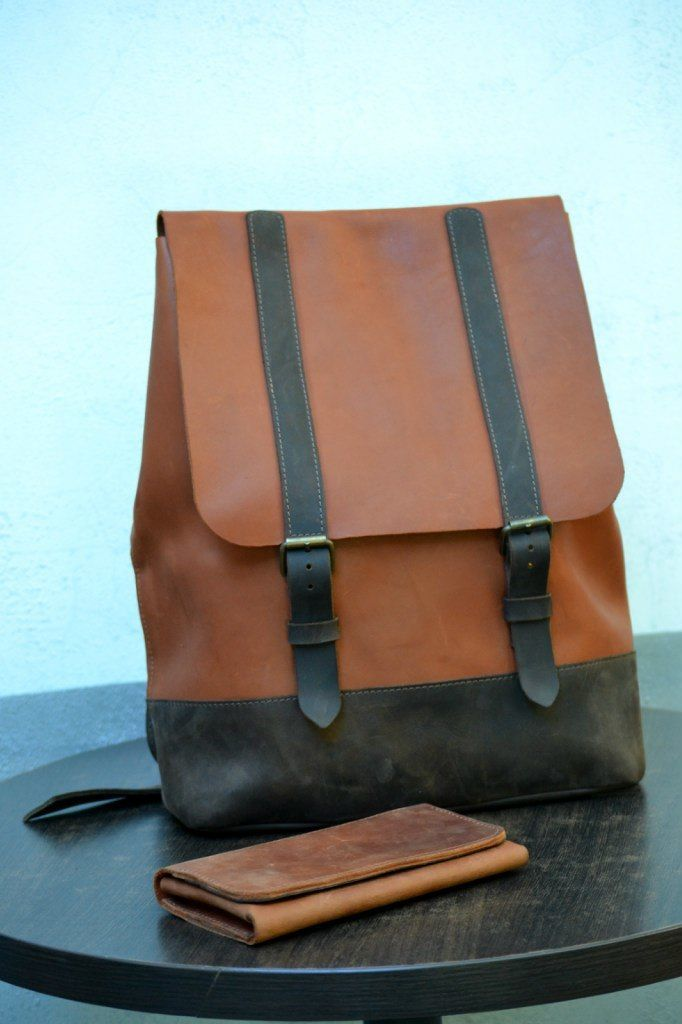 Looking for a bag you can wear with anything? We bring good news: backpacks are back. #leathergoods #backpack #trendy #handmade #leatherbag #style #acessories #colours #leatherbackpack #womenbag #manbag #education #rucksack