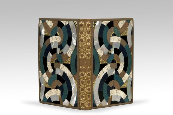 «A rebours» Joris-Karl Huysmans, reliure de Pierre Legrain, mosaïque de coquille d'oeuf, laque, nacre et maroquin.