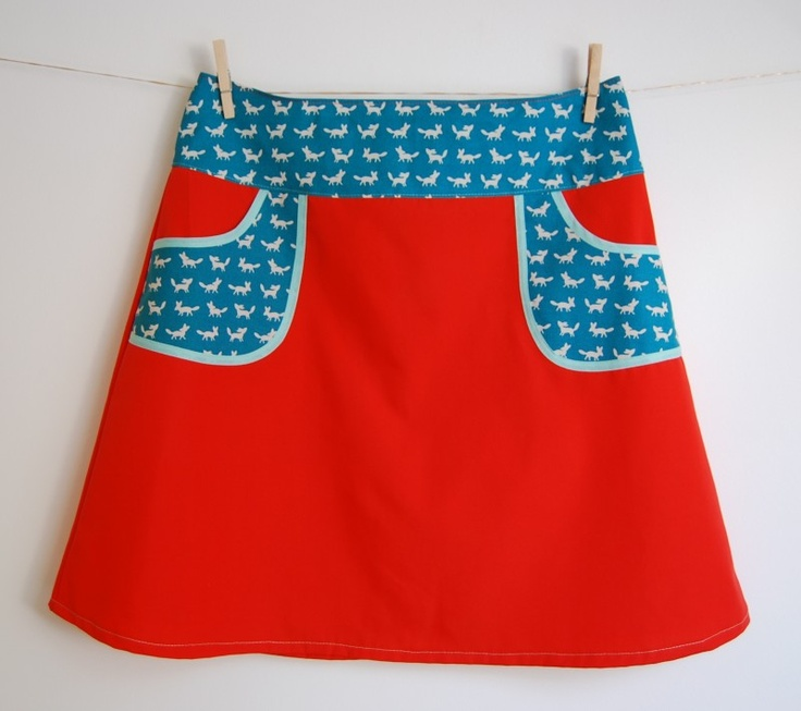 Hipskirt Coral red with Foxes in Petrol on Pockets, size 40/L