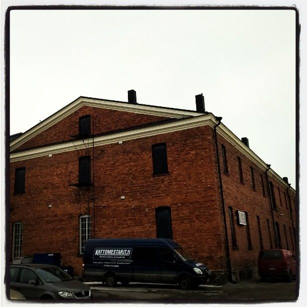 Keisarin Makasiini - old railroad storage on the other side of the Hämeenlinna railwaystation - flea market, Soda Shop Glass Gallery and theater