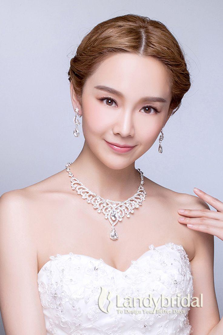 アクセサリー イヤリング ネックレス ラインストーン 上品なデザイン ウェディング小物 結婚式 花嫁 JJ0015019 税込: ¥7,344