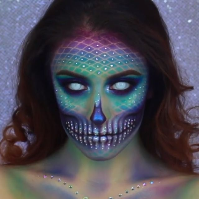 This SPOOKY #mermaid #makeup look is perfect for #halloween D: