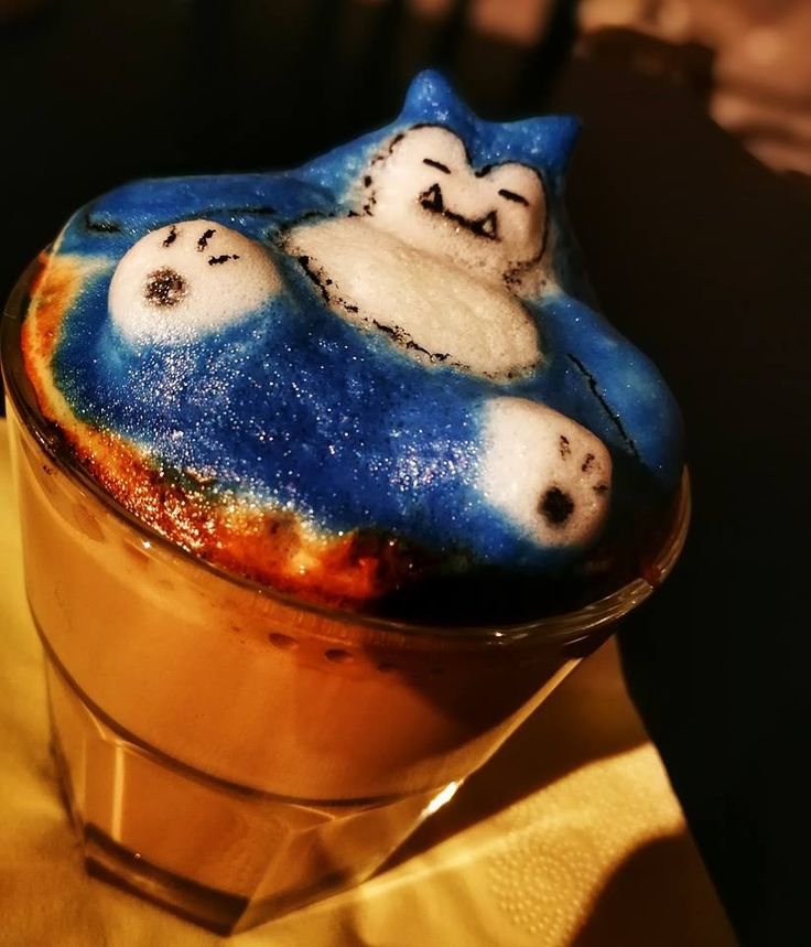 Micul meu Snorlax 3D latte art #instacoffee #latteporn #foodart #latteart #foodporn #nespresso #latte #lattegram #lattestagram #foodvideos #coffeeoftheday #coffeegram #thirsty #masfotokopi #latteartgram #baristadaily  #3dlatteart #coffeeshots #barasian #coffeeeee  #snorlax #pokemon