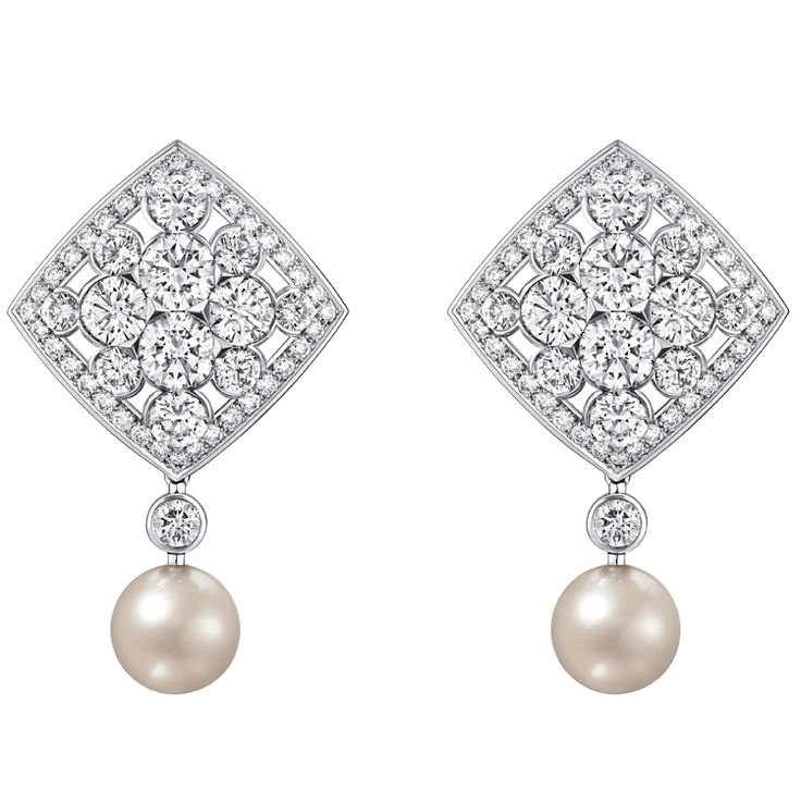 """Signature De Perles"" #Earrings from #SignatureDeChanel - #Chanel - #FineJewelry collection in 18K white gold set with 160 #BrilliantCut - #Diamonds (total weight 7.9 cts) and 2 Japanese cultured #Pearls - January 2016"