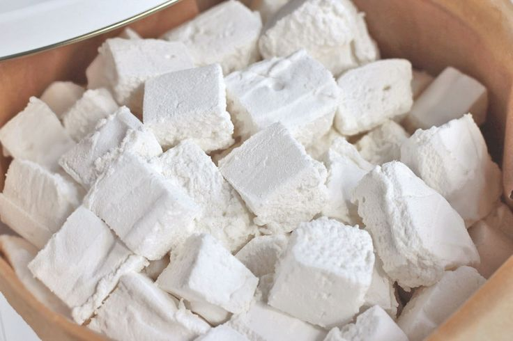 Homemade Sugar Free Marshmallows from dessertswithbenefits.com