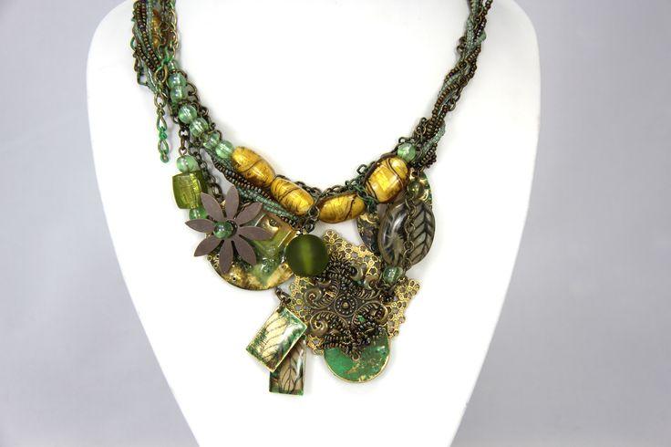 Poussez la création de bijoux à un autre niveau en personnalisant des pièces de métal Vintaj de votre choix. Expérimenterez la coloration, l'embossage, l'impression.   #Bijou #Bijoux #Création #Perle #Bille #Vintage #Résine #Resin #Brass #Beads #Jewelry #Jewel #Necklace #Handmade #Craft #DIY #Create #Workshop Cliquez pour voir les dates d'atelier disponible!