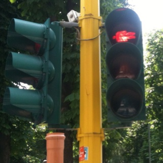 dangerous traffic light