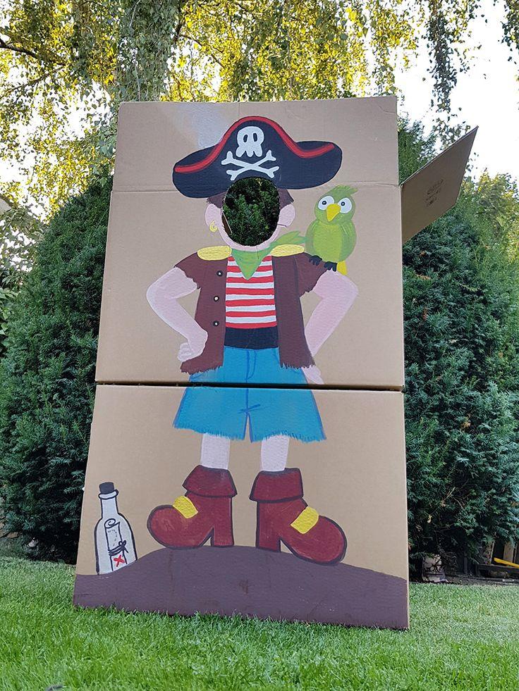 Piratenparty für die Kleinsten Gucklochkiste Pirat mit Papagei auf der Schulter…