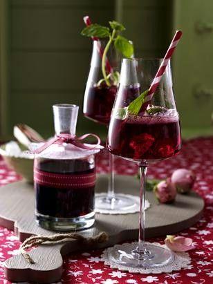 Fliederbeer-Sekt-Cocktail