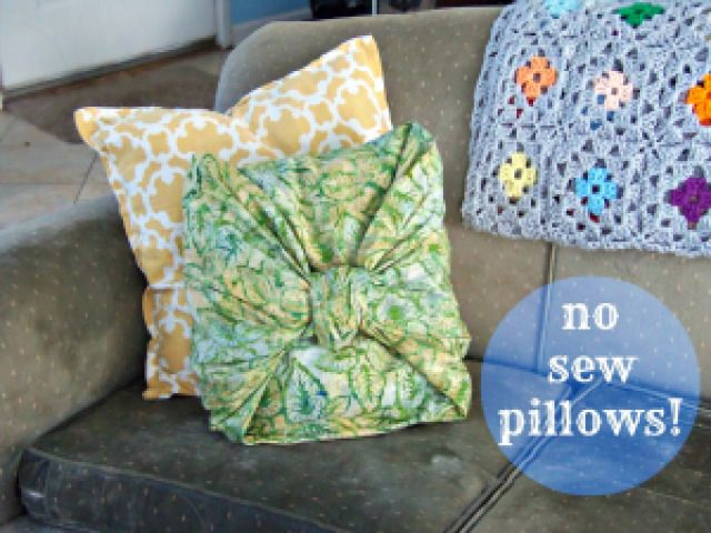 Pinterest Tested: No Sew Pillow Covers - Crafty Little Gnome #nosew #pillowcovers #slipcover #diypillow #pillow #pillowtutorial