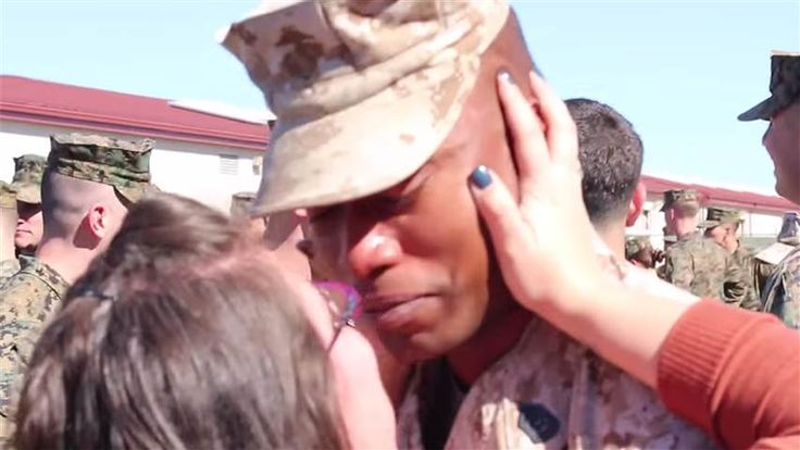 Not the Usual Homecoming Video: Wife Surprises Returning US Marine