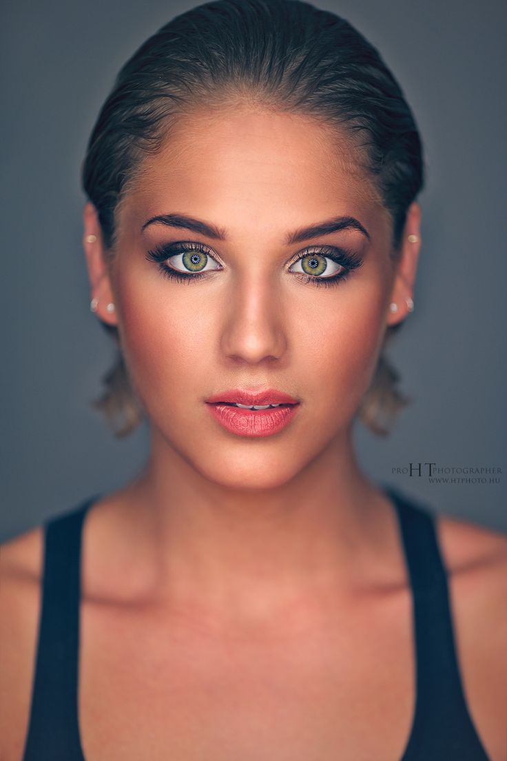 Ringlight portrait by HorvathTamas on 500px