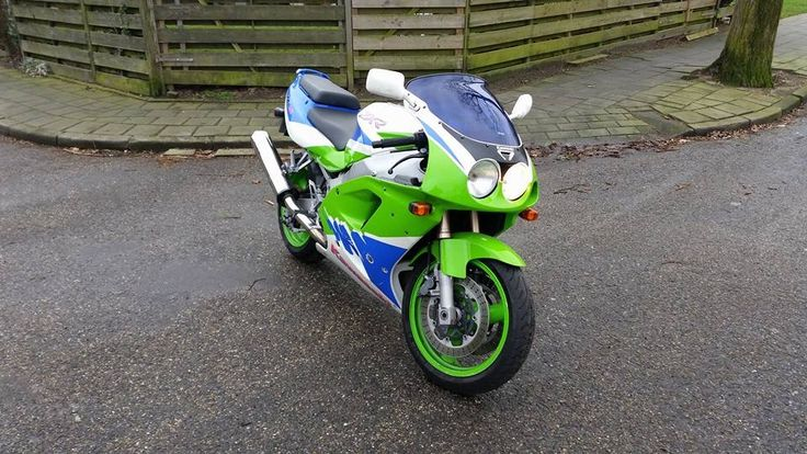 Kawasaki ZXR 750 1994 aangeboden in de Facebookgroep https://www.facebook.com/groups/motorentekoopmt/permalink/743352559172799/?sale_post_id=743352559172799 #kawasaki #kawasakizxr #kawasakizxr750 #motortreffer #motorentekoopmt #motoroccasion #motoroccasions #motorverkoop #motoren #motorverkopen #motorinkoop #motorzoeken #motorenzoeken #motorzoeker #motorexport #motorimport #motorinkopen #toermotoren #racemotoren #circuitmotoren