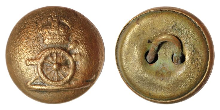 Victorian Royal Horse Artillery officer button. Date: 1880 – 1890. Material: copper alloy. Diameter: 23 mm. Found: Lancashire 2015. #metaldetecting # 0215