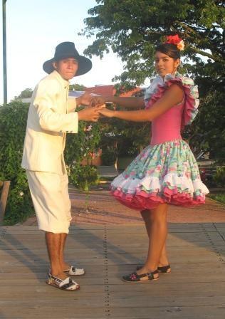 traje tipico colombia joropo