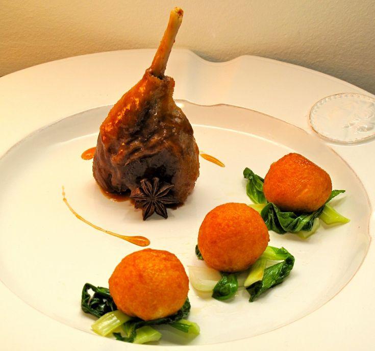 Andeconfit med pommes noisettes og appelsinsaus - Gastronomade