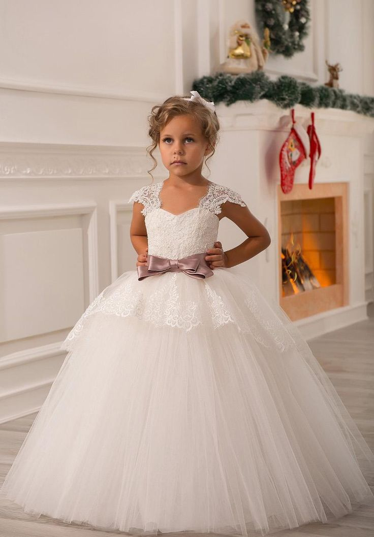 Vintage Style Ball Gown Long Ivory Tulle Cap Sleeve Lace Flower Girls' Dresses With Bow Sash Custom Made First Communicate Party Gowns