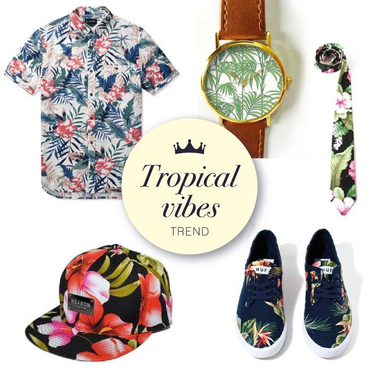 Una tendencia de moda, muy colorida y divertida, son los estampados tropicales en zapatos, complementos, camisas, bermudas con print de palmeras, animales, flores... ¡No te lo pierdas! #sakdenim #tropical #trend #ilovesak #newarrivals #nuevacoleccion #denimfordays #outfit #summer #shop #fashion #dailyfashion #casuallook #summer #inspiration #fun #clothing #ropa #tendencia #estampados #colors #fashion #menswear #camisas #prints #floral