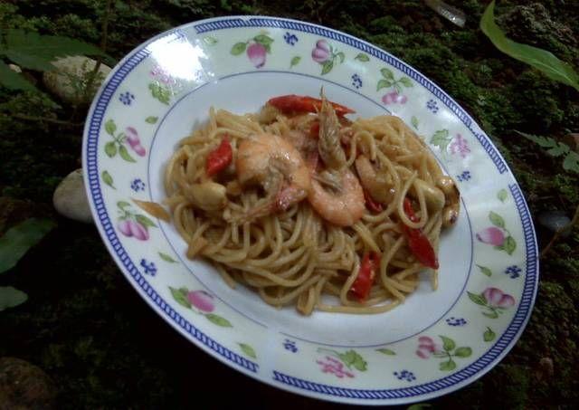 Spaghetti saus udang kungpao