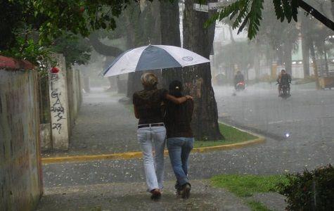 La ONAMET informó que aún persiste la vaguada en altura al norte del país, inestabilizando la masa de aire sobre el territorio dominicano, unido a los efectos orográficos