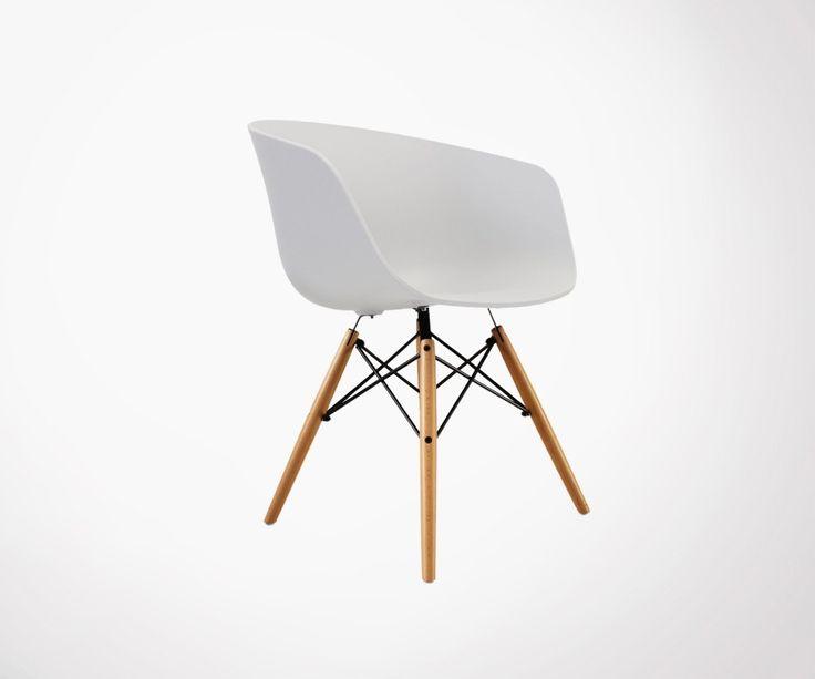 Fauteuil design scandinave élégant et confortable style chaise scandinave Charles.E. Plusieurs couleurs. Livraison rapide en Europe. Satisfait ou remboursé.